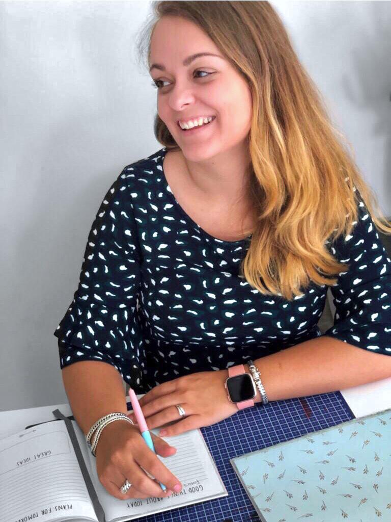 Lesley Simon- Grafisch vormgever- Putten